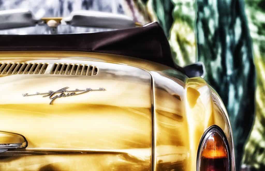 רכב חדש צהוב